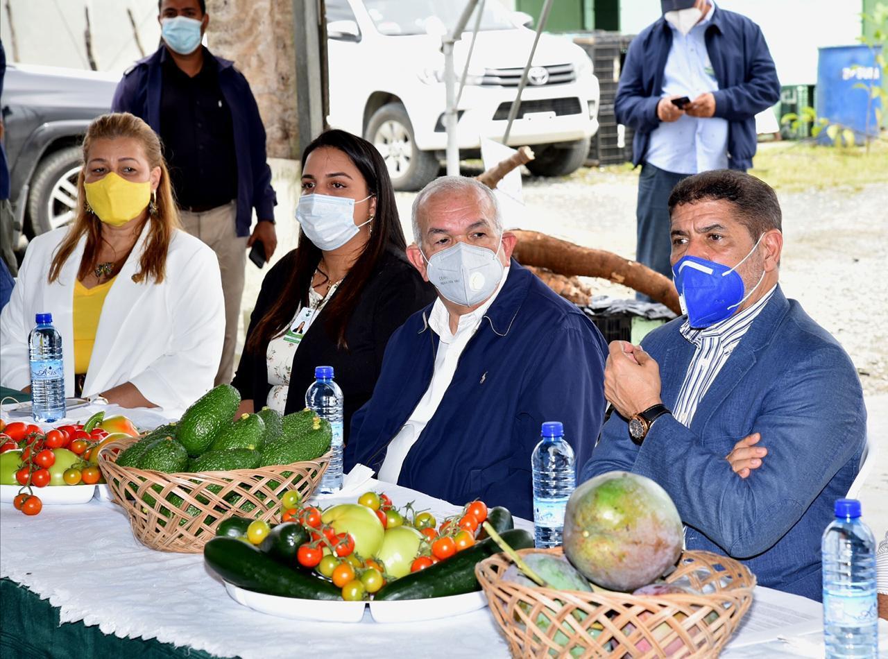 Video   Autoridades del sector agropecuario escuchan necesidades de productores Rancho Arriba