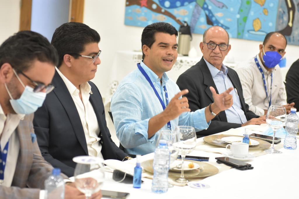 Video | INAPA y CORAA se reúnen para unificar políticas sobre agua potable