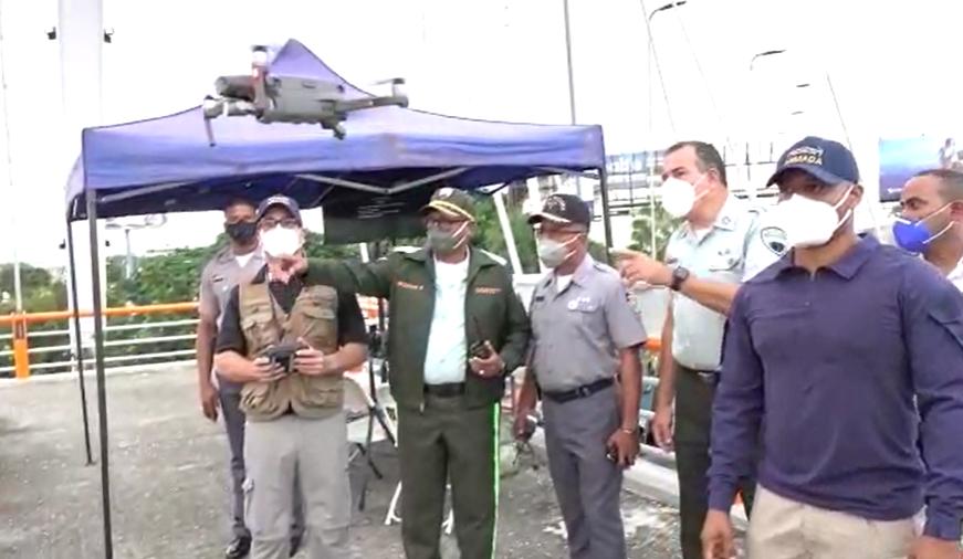 DIGESETT realiza operativo de prueba para organizar el tránsito con drones en la Máximo Gómez con 27 de Febrero
