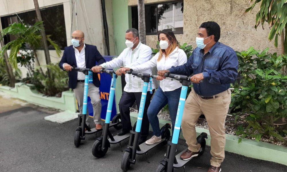 Video   CNTU promueve movilidad eléctrica en el INTRANT