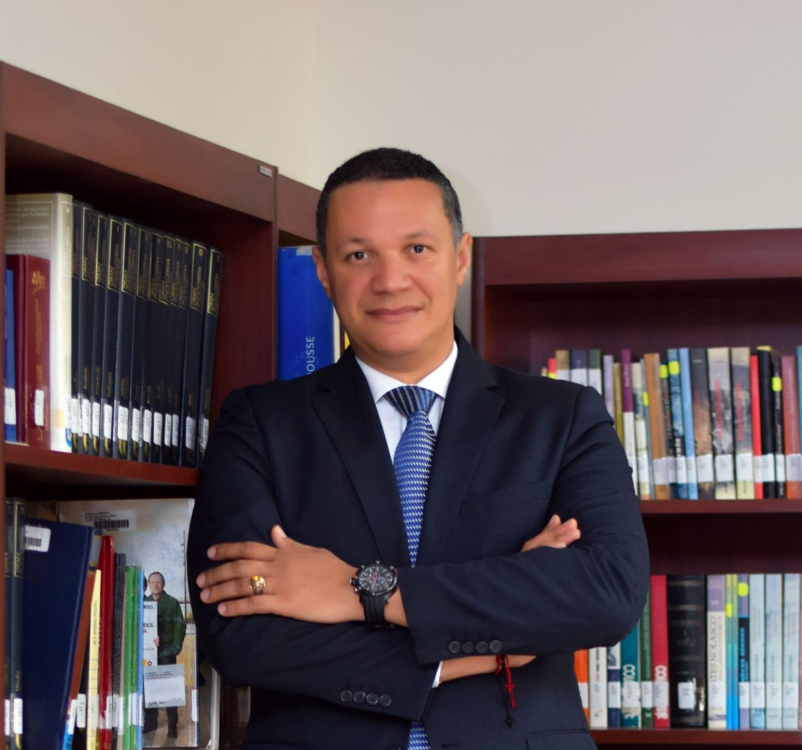 Jóvenes elevan propuesta al Senado de Cirilo de Jesús Guzmán para formar parte de la nueva JCE