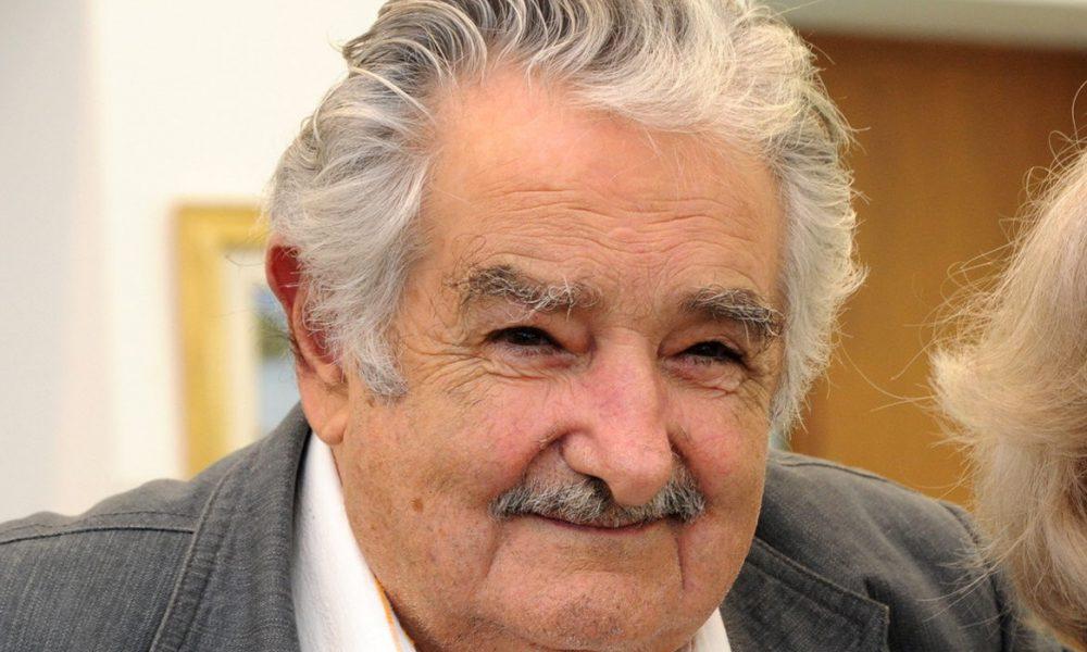 Expresidente uruguayo Mujica renuncia al Senado, se retira de la política activa