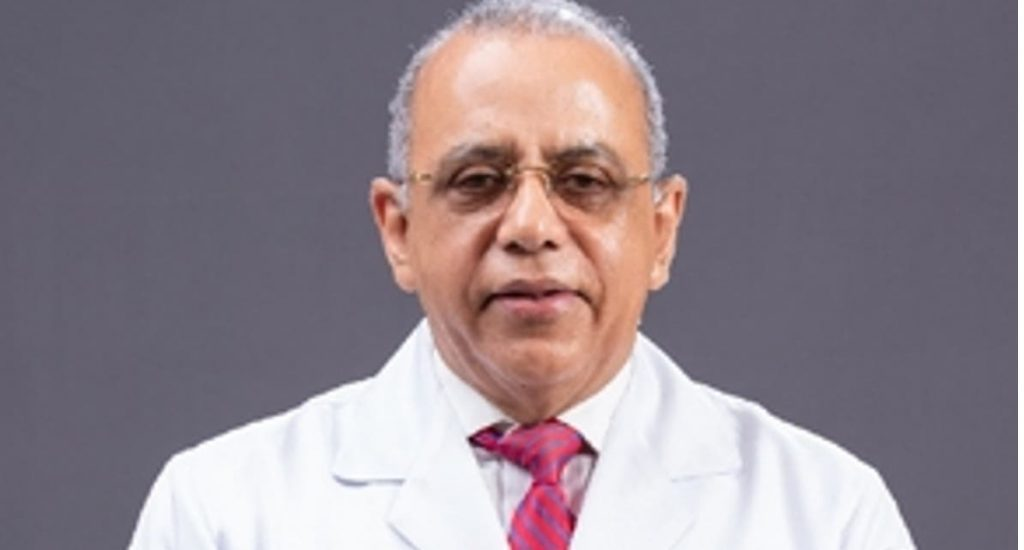 Ministro de Salud da negativo al covid-19, se recupera en casa