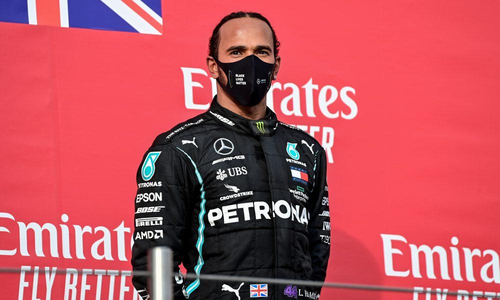 Lewis Hamilton gana en Imola y Mercedes suma 7º título mundial de constructores