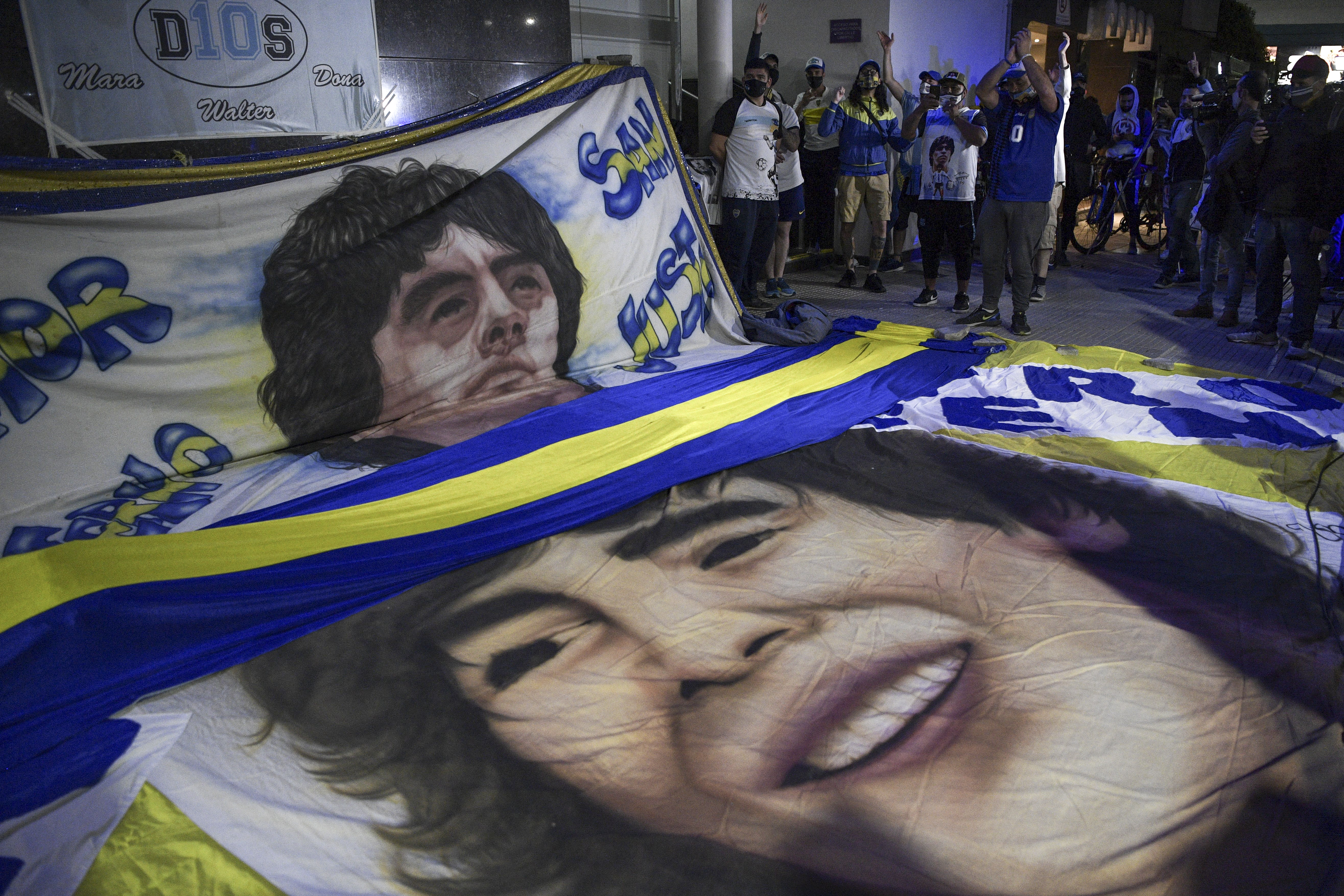 Maradona en el quirófano: lo operan de un hematoma en la cabeza