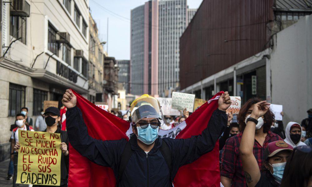 Nueva jornada de marchas y cacerolazos contra nuevo presidente de Perú