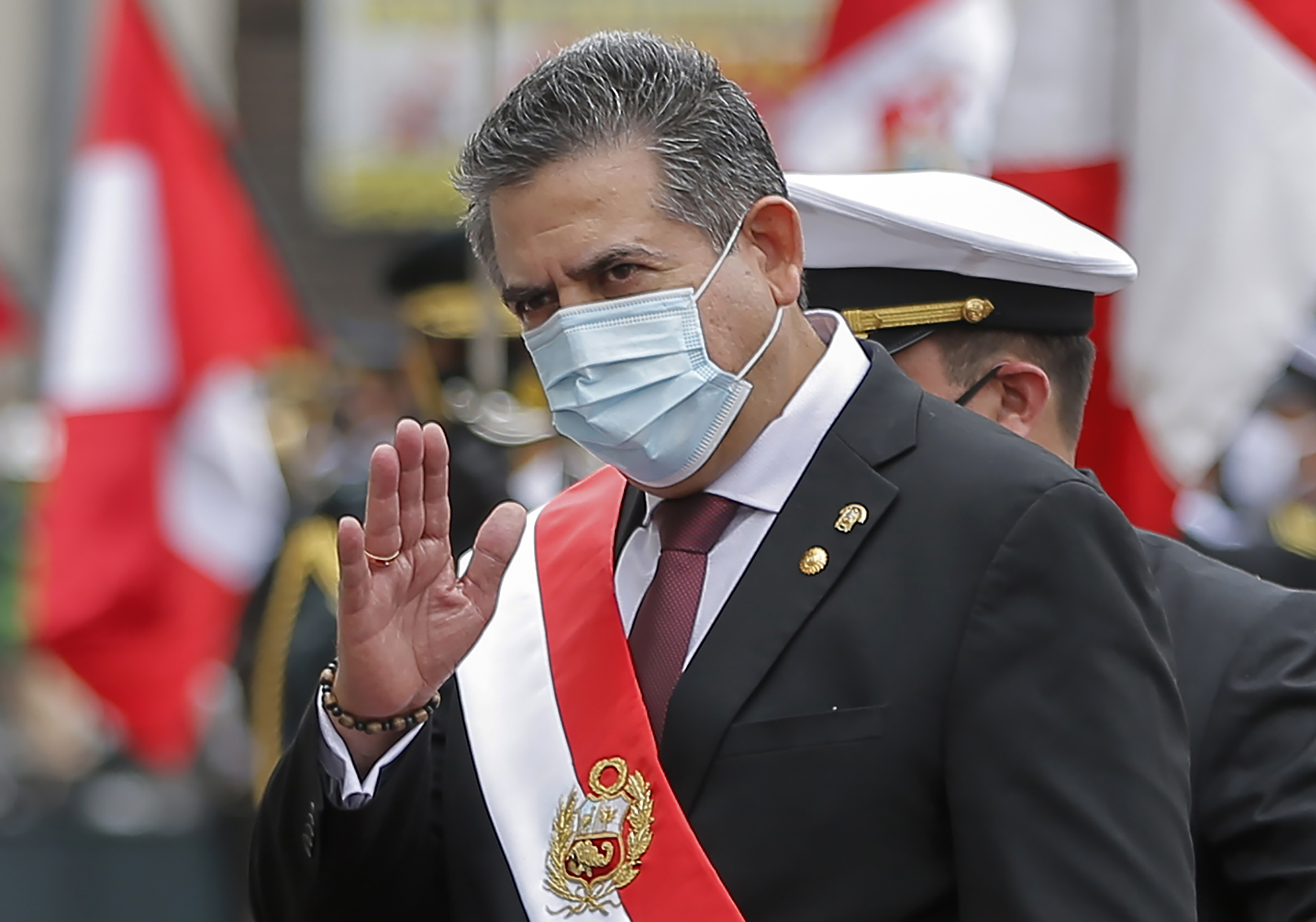 Merino anuncia su dimisión de la presidencia de Perú