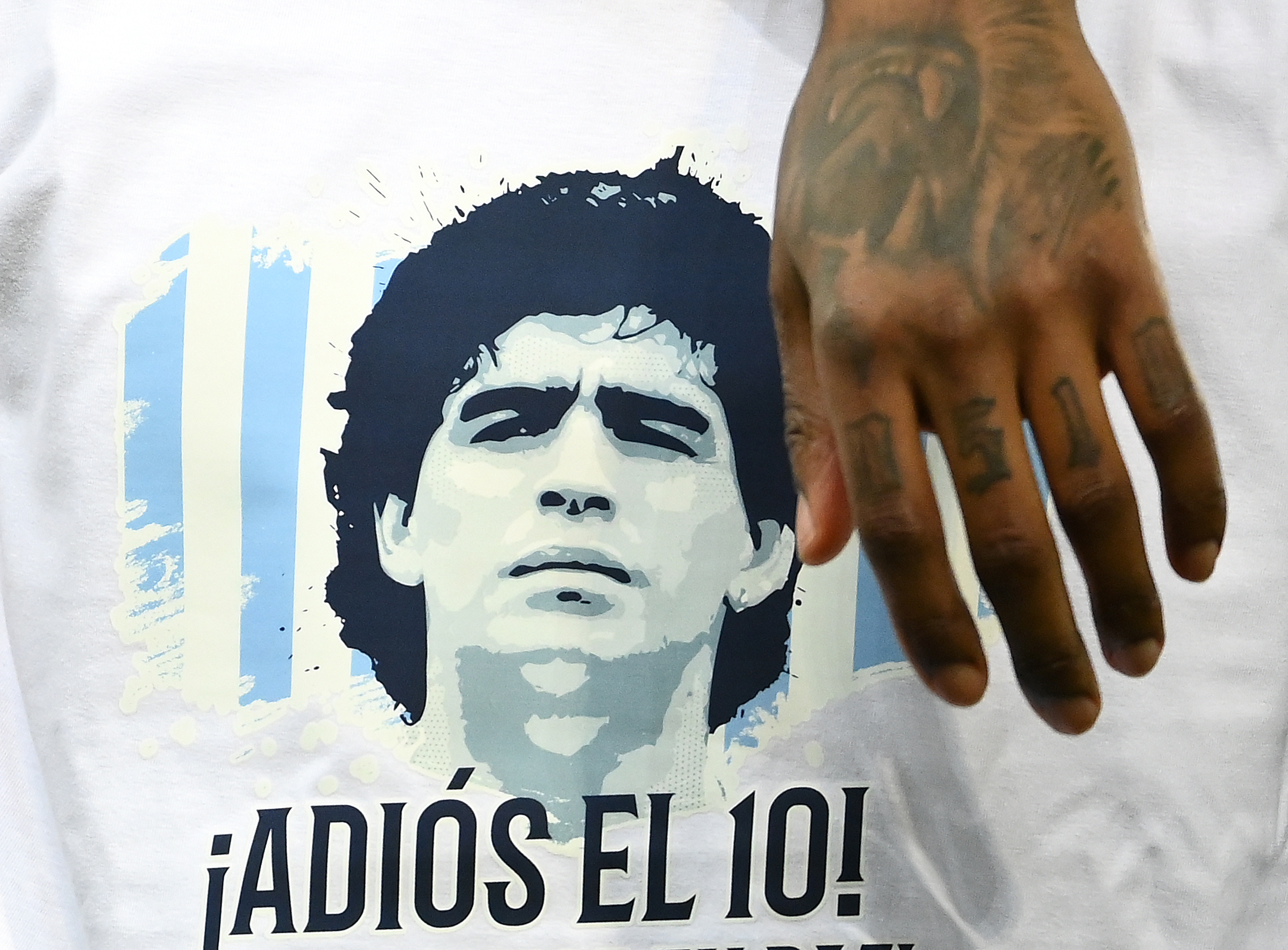 FOTOS | Rinden tributo a Maradona, la leyenda argentina