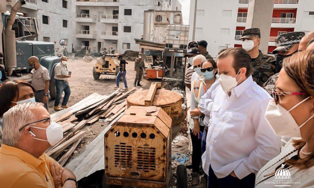 Paliza supervisa proyecto habitacional en La Mesopotamia de San Juan de la Maguana