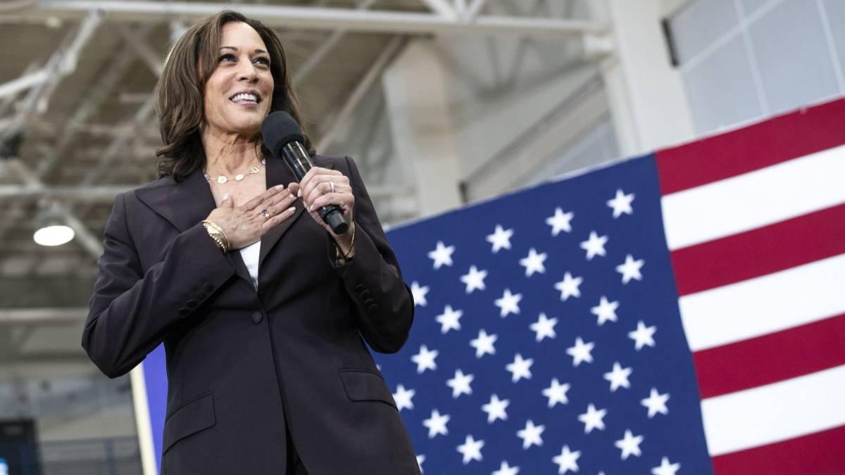 """""""Empecemos"""" a trabajar, dice Kamala Harris, primera mujer vicepresidente de EEUU"""