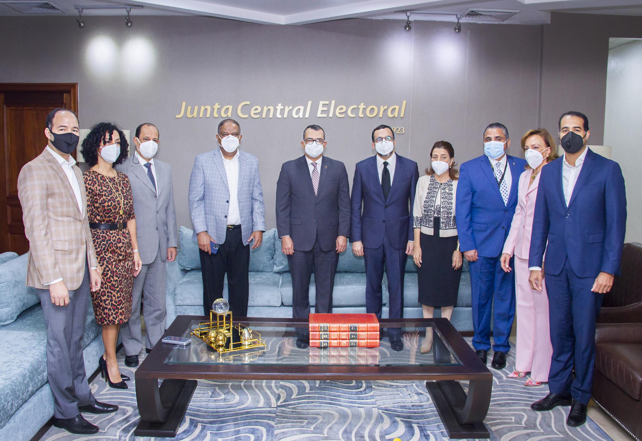Comisión PLD visita la JCE, la institución dará apoyo a su Congreso