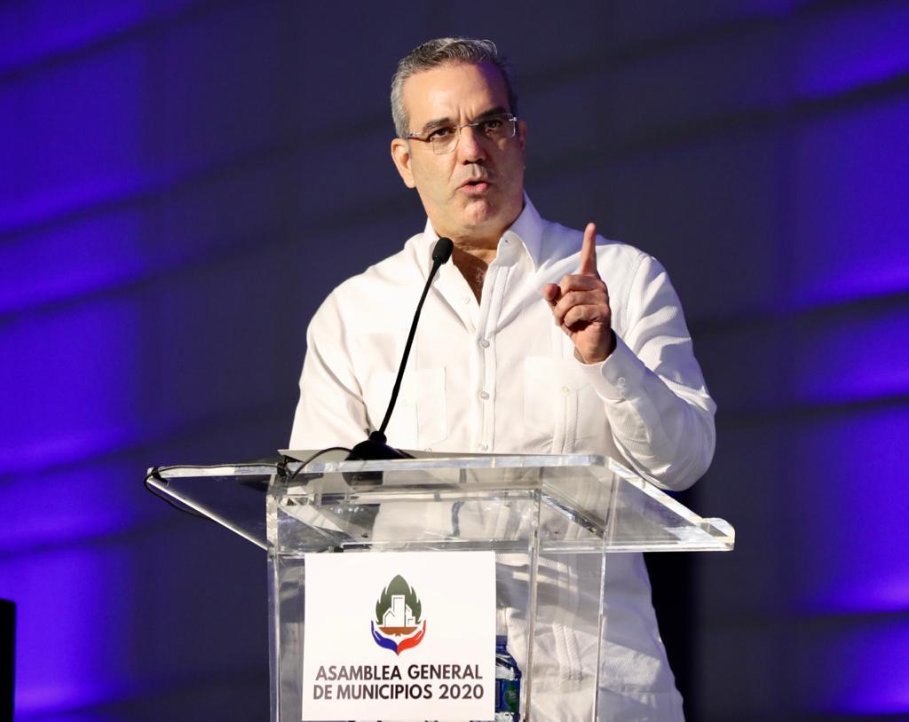 Alcaldes celebran promesa de aumento del 3 por ciento a Presupuesto Cabildos
