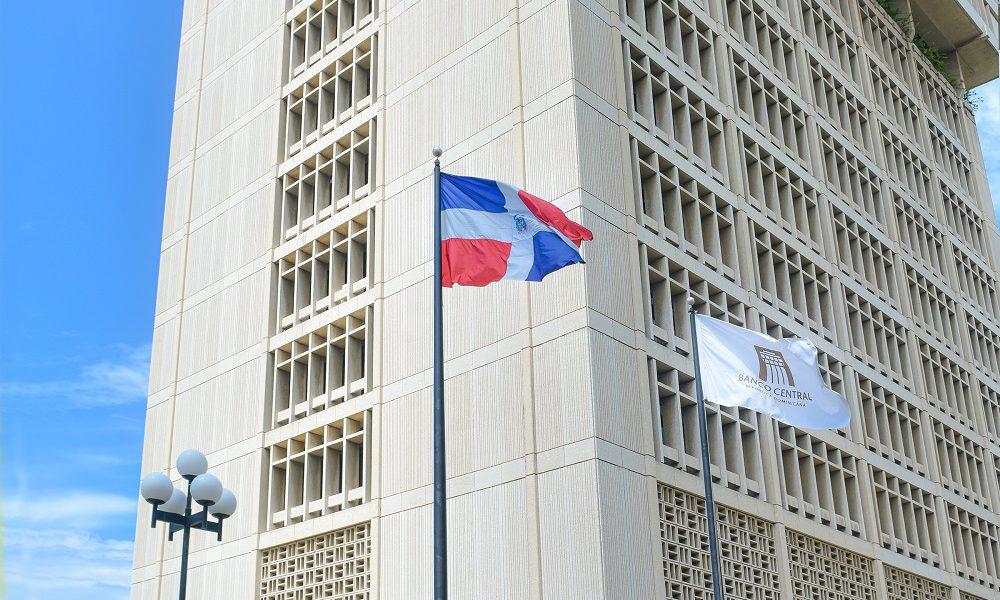 Banco Central informa que continúa mejorando el flujo de divisas: remesas crecen 36.1 % en octubre