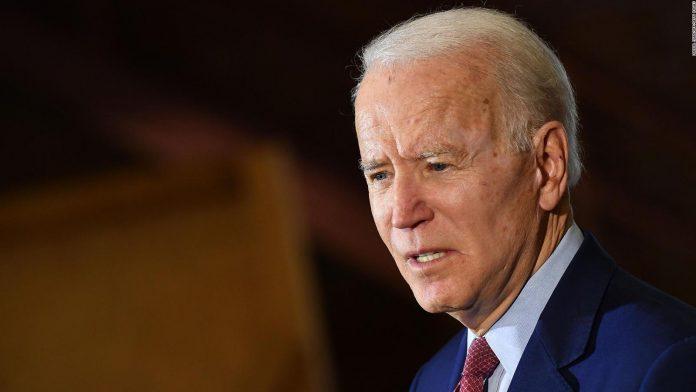"""Biden dice que la negativa de Trump a admitir su derrota es algo """"embarazoso"""""""