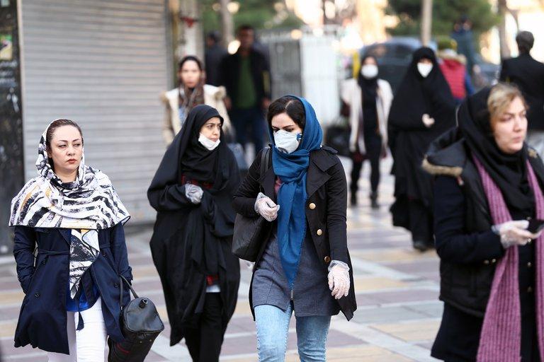 Nuevas restricciones en Irán tras récord de más de 9.000 casos de covid-19 en 24 horas
