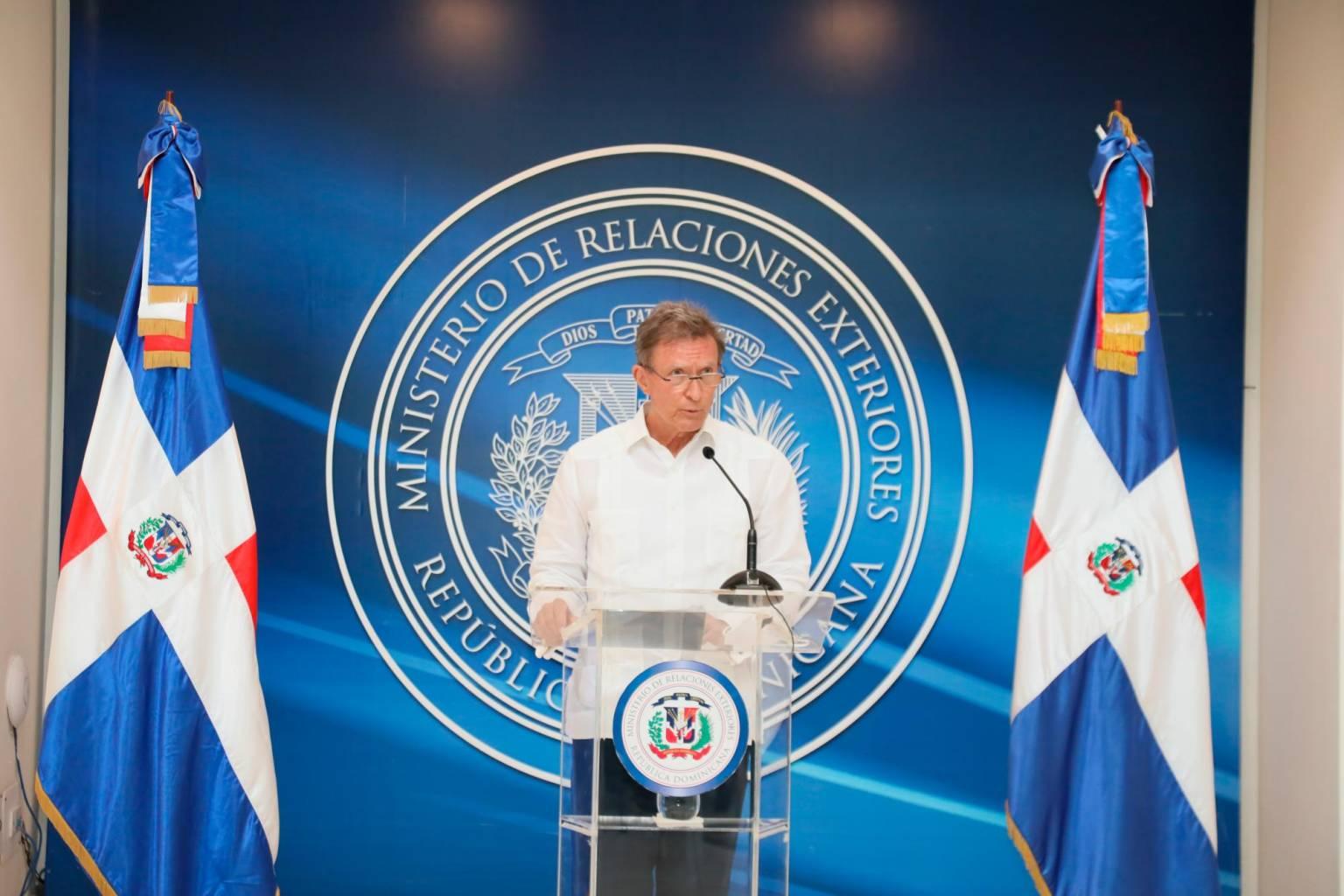 Cancillería investiga supuesta trata de menores en Argentina con diplomático dominicano
