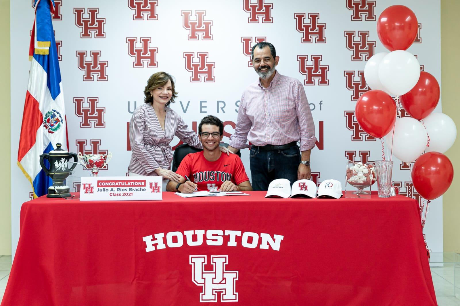 Golfista Julio Ríos Brache es reclutado por la Universidad de Houston