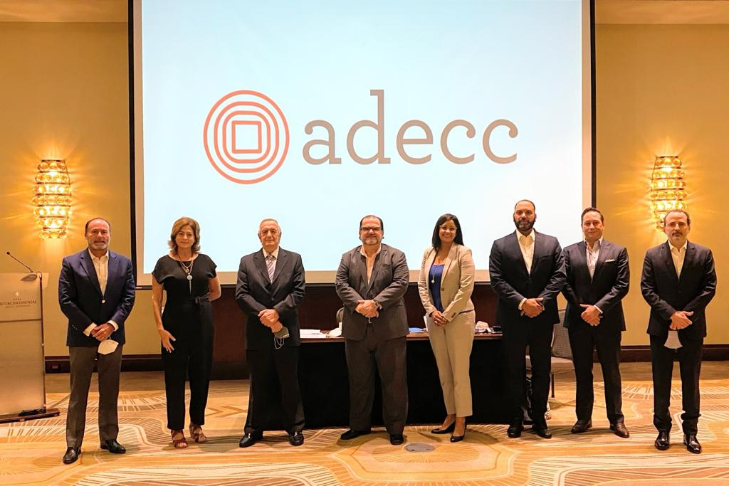 ADECC juramentó nueva Directiva