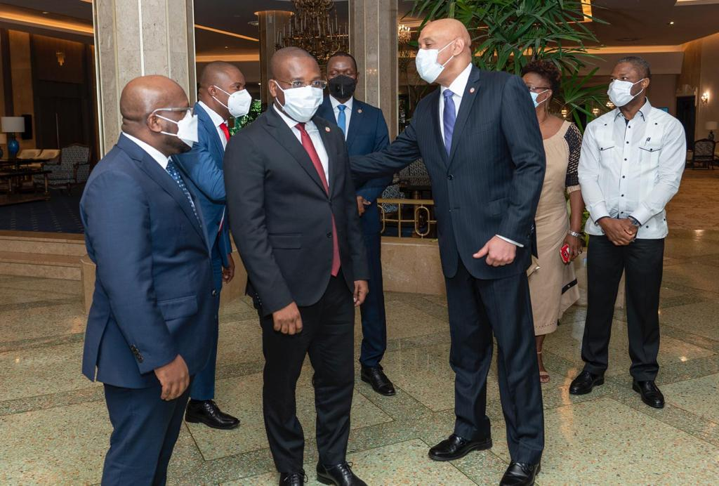 Llega al país el canciller de Haití Claude Joseph
