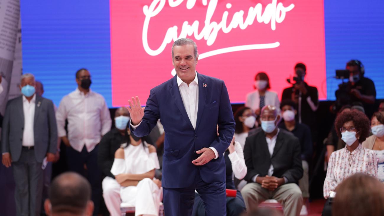 Funcionarios reaccionan por los 100 días de gestión del presidente Luis Abinader