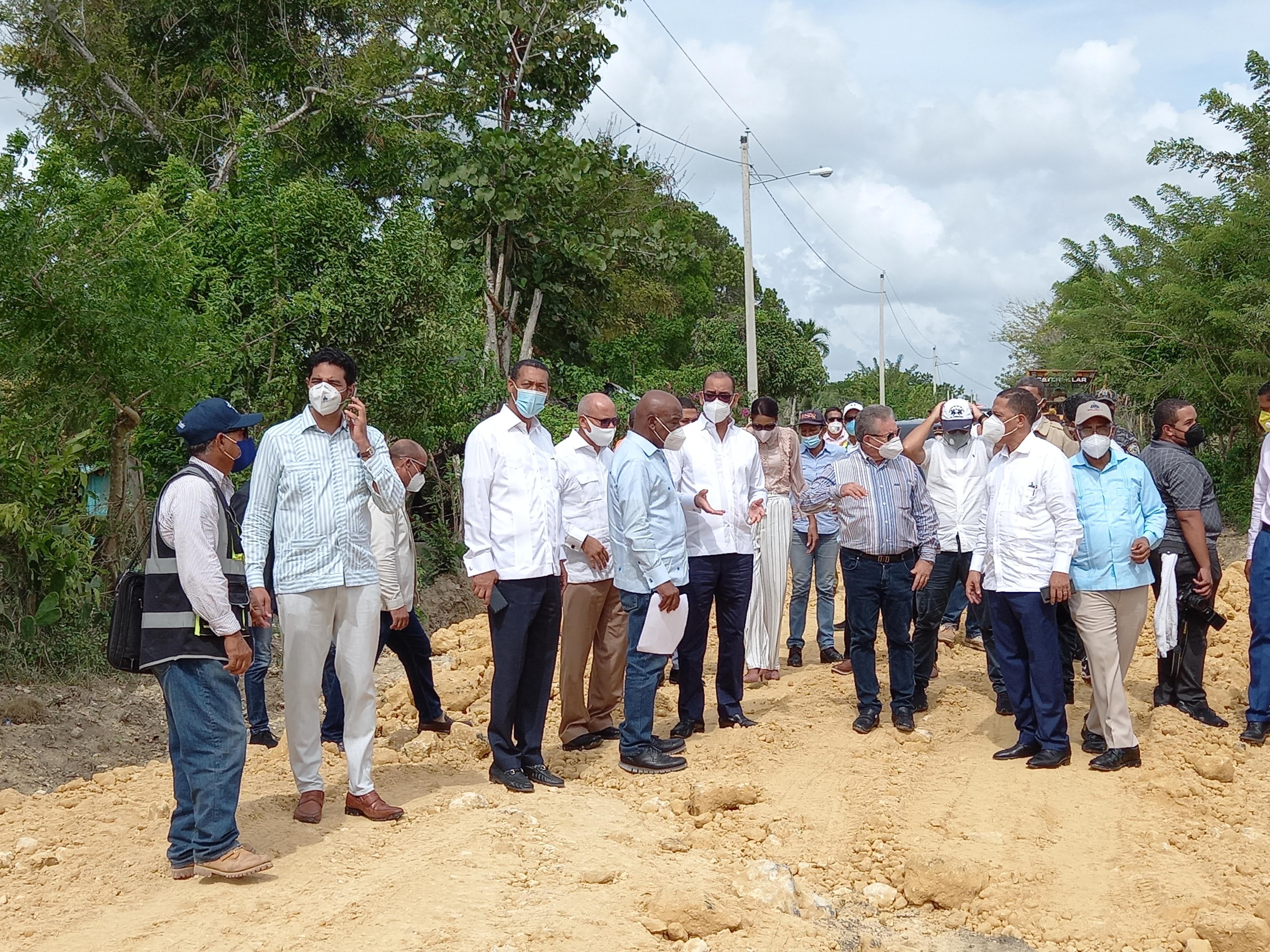 MOPC anuncia remodelación y construcciones en Higüey