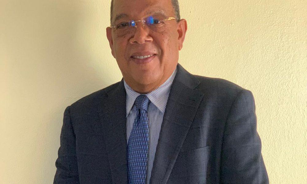 Doctor Enrique González es el nuevo director del CONAVIHSIDA