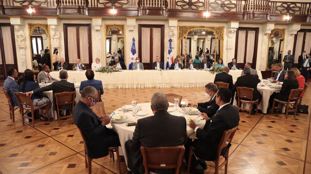 Foro de Partidos Políticos propone un consenso al presidente Luis Abinader para enfrentar crisis  por COVID-19