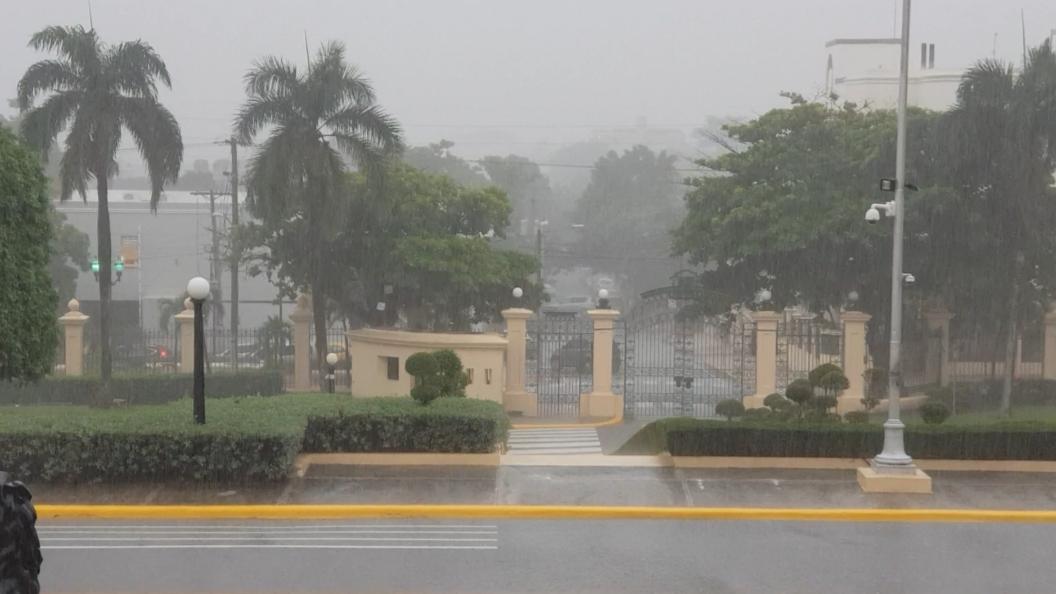 Video | ONAMET informa vaguada continuará provocando aguaceros durante la noche
