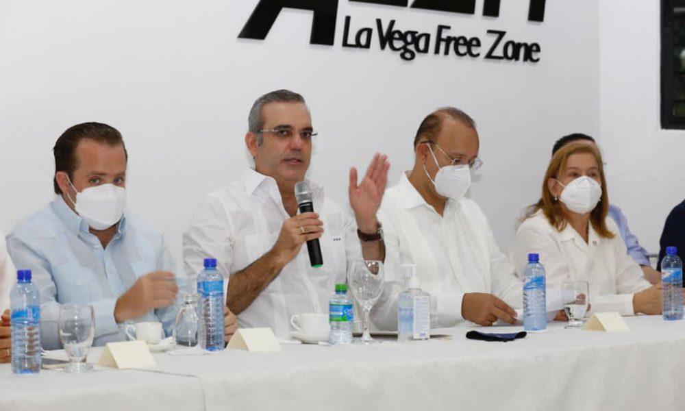 Gobierno destinará 300 millones para construcción de diez naves en Zona Franca de La Vega