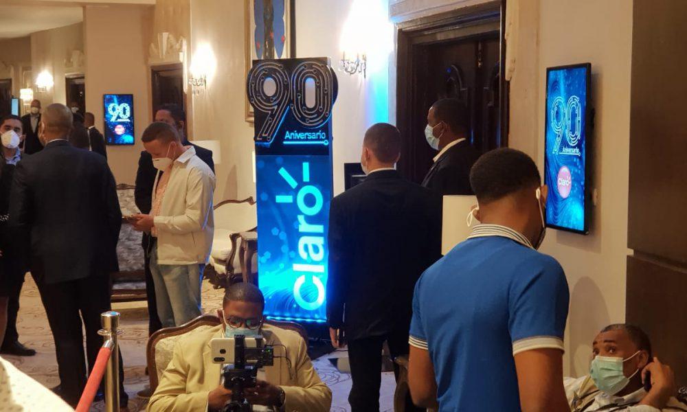 Video | Presidente Abinader asiste al acto de de celebración del 90 aniversario de la telefónica Claro