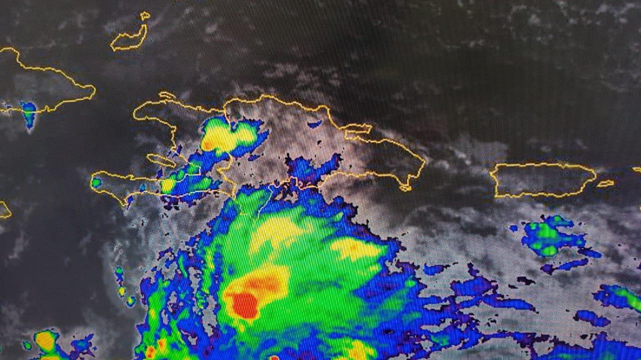 Onda tropical con 80% de probabilidad para convertirse en ciclón, según Onamet