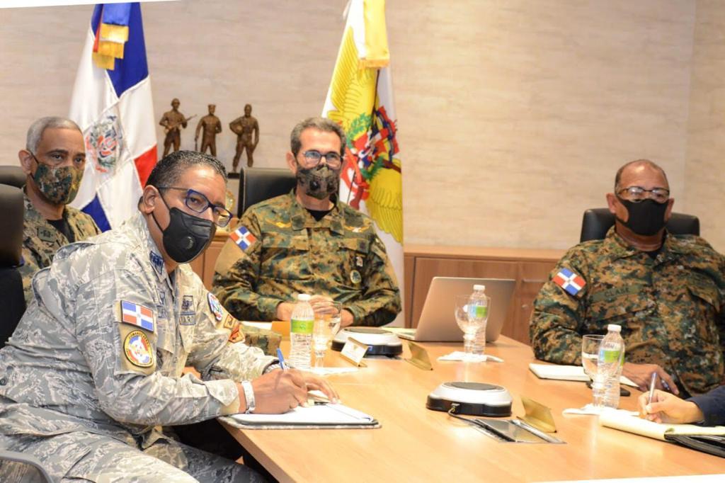 Ministerio de Defensa y Comando Sur de EE.UU. tratan temas bilaterales