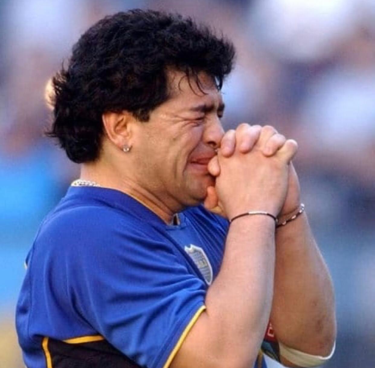 Murió el exfutbolista argentino Diego Armando Maradona