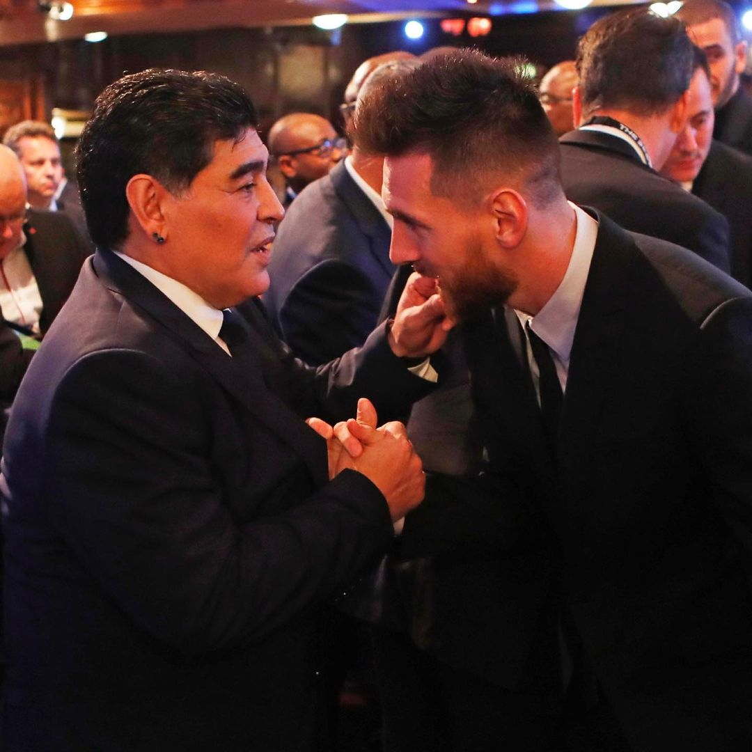 Leo Messi consternado por muerte de Maradona