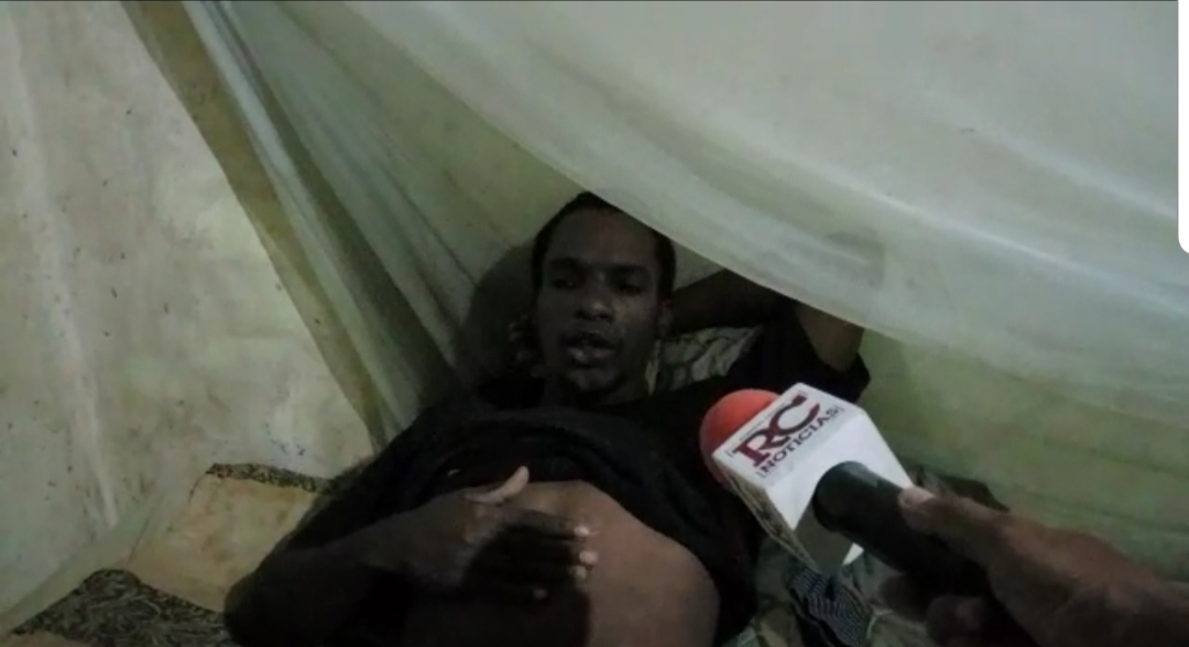 """Video   """"Los gusanos me están comiendo vivo"""", afirma joven enfermo en Los Mameyes SDE"""