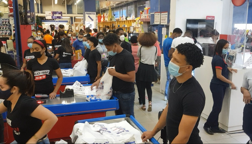 Video | COVID-19 no ha sido una limitante para que dominicanos aprovechen ofertas Black Friday