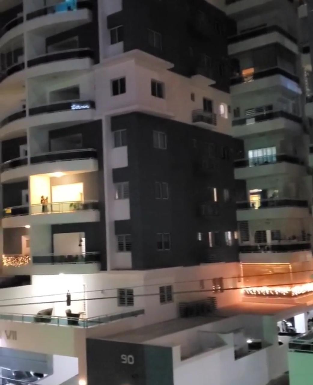 Videos | Suenan cacerolazos por apresamiento a exfuncionarios