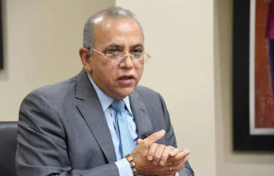 Ministro Salud: Medidas adoptadas son estrictas y deben cumplirse para evitar rebrote
