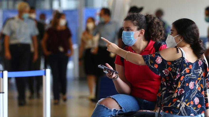 OPS insta a los países a no exigir pruebas de covid-19 a los viajeros