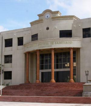Imponen prisión preventiva contra dos de los asaltantes del Banco Santa Cruz