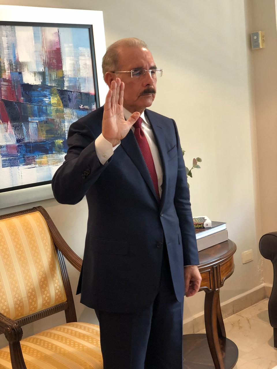 Expresidente Danilo Medina se juramentó este martes como diputado del PARLACEN