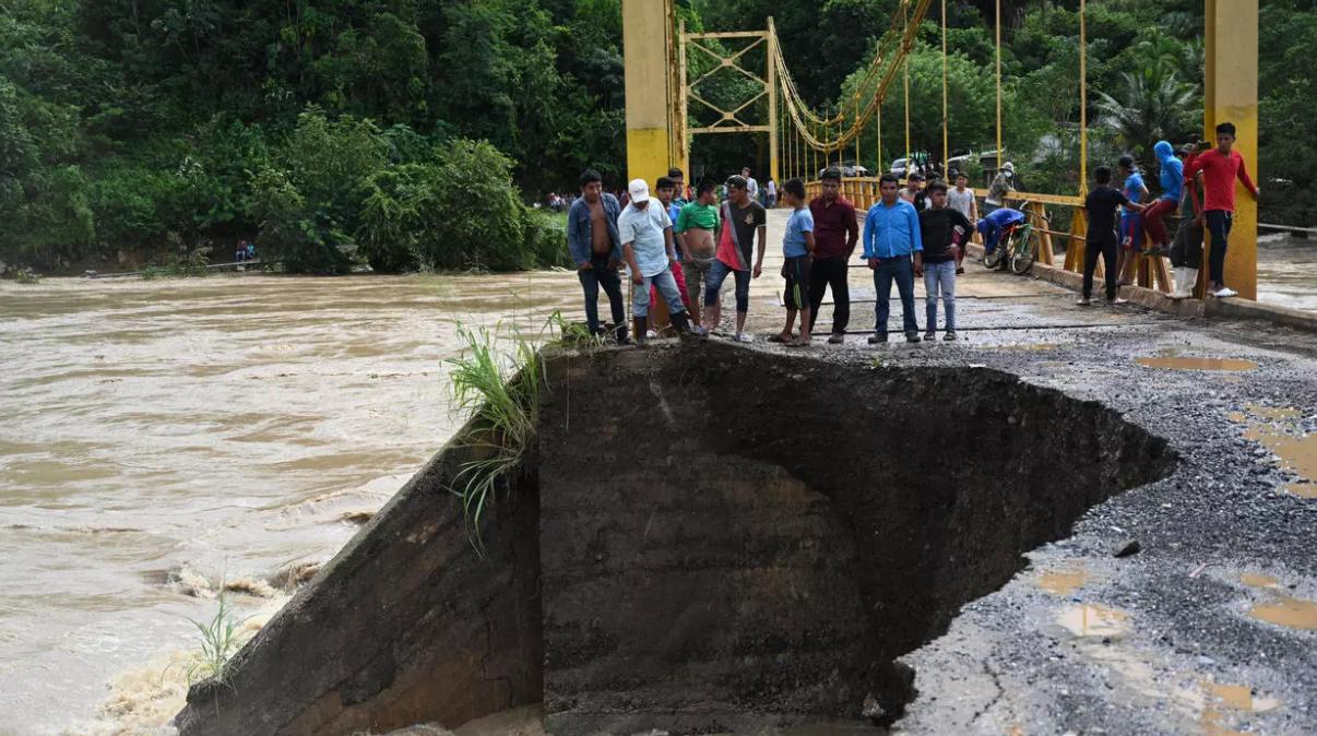 Guatemala busca a desaparecidos tras deslave por ciclón Eta