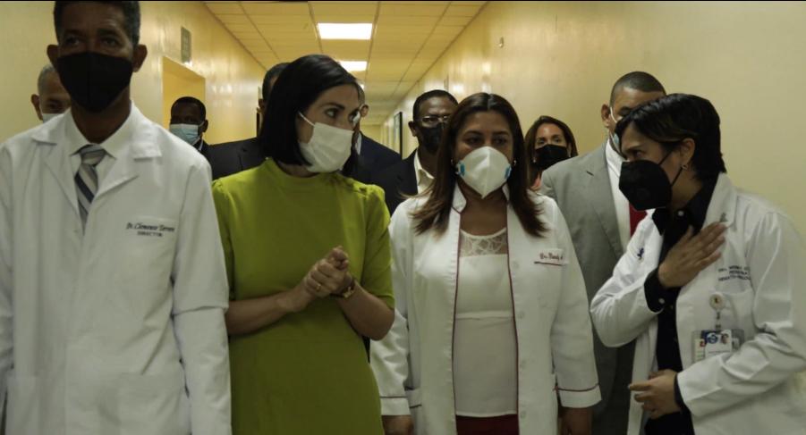 Primera dama se ofrece para colaborar con el Hospital Infantil Dr. Robert Reid Cabral