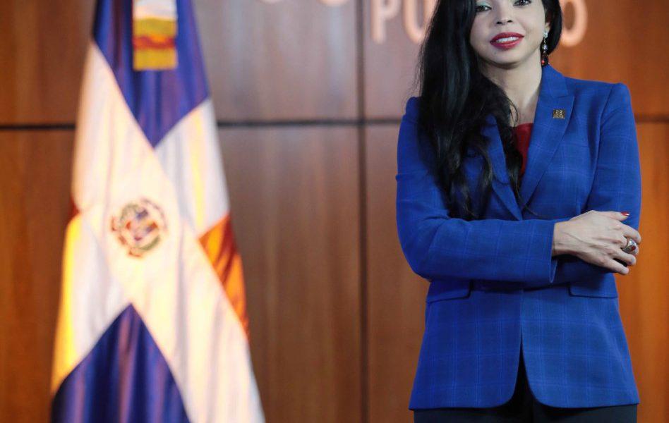 Yeni Berenice sugiere violadores de medidas sanitarias presten servicio en hospitales