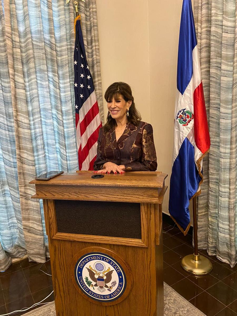Discurso de la embajadora Robin Bernstein en el evento virtual de AMCHAMDR