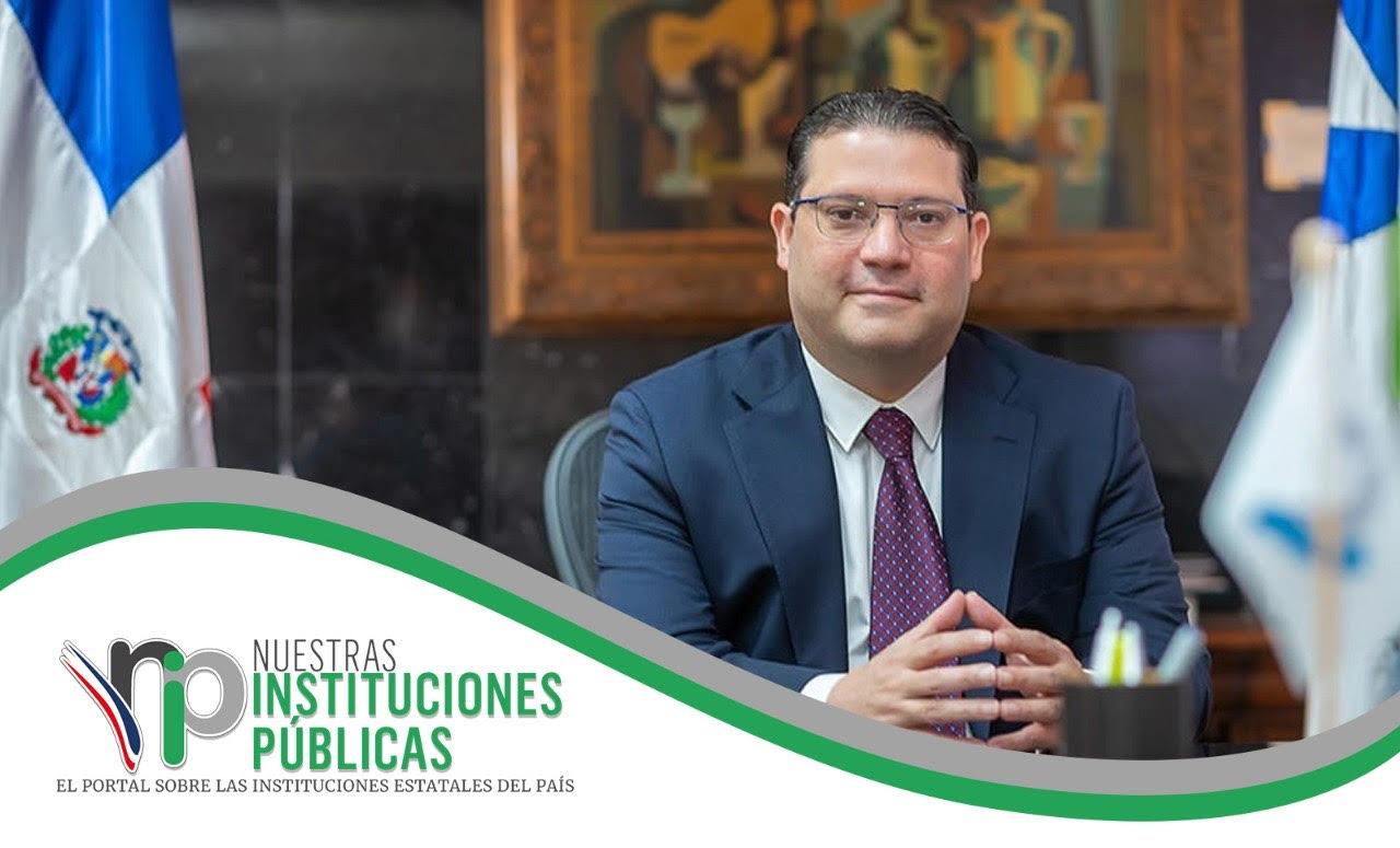 Eduardo Sans Lovanton es el funcionario público de octubre