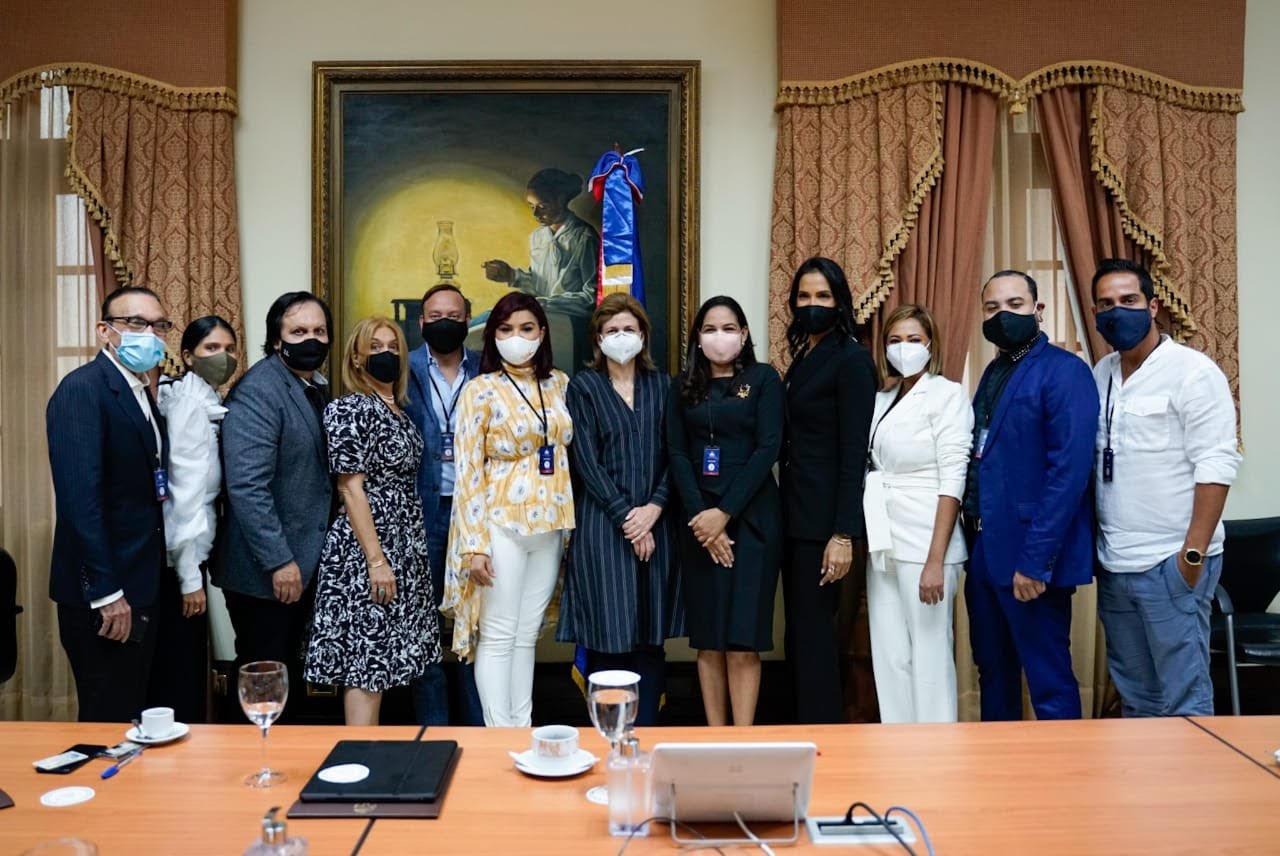 Asociación Dominicana de Diseñadores de Moda sostiene encuentro con la Vicepresidenta
