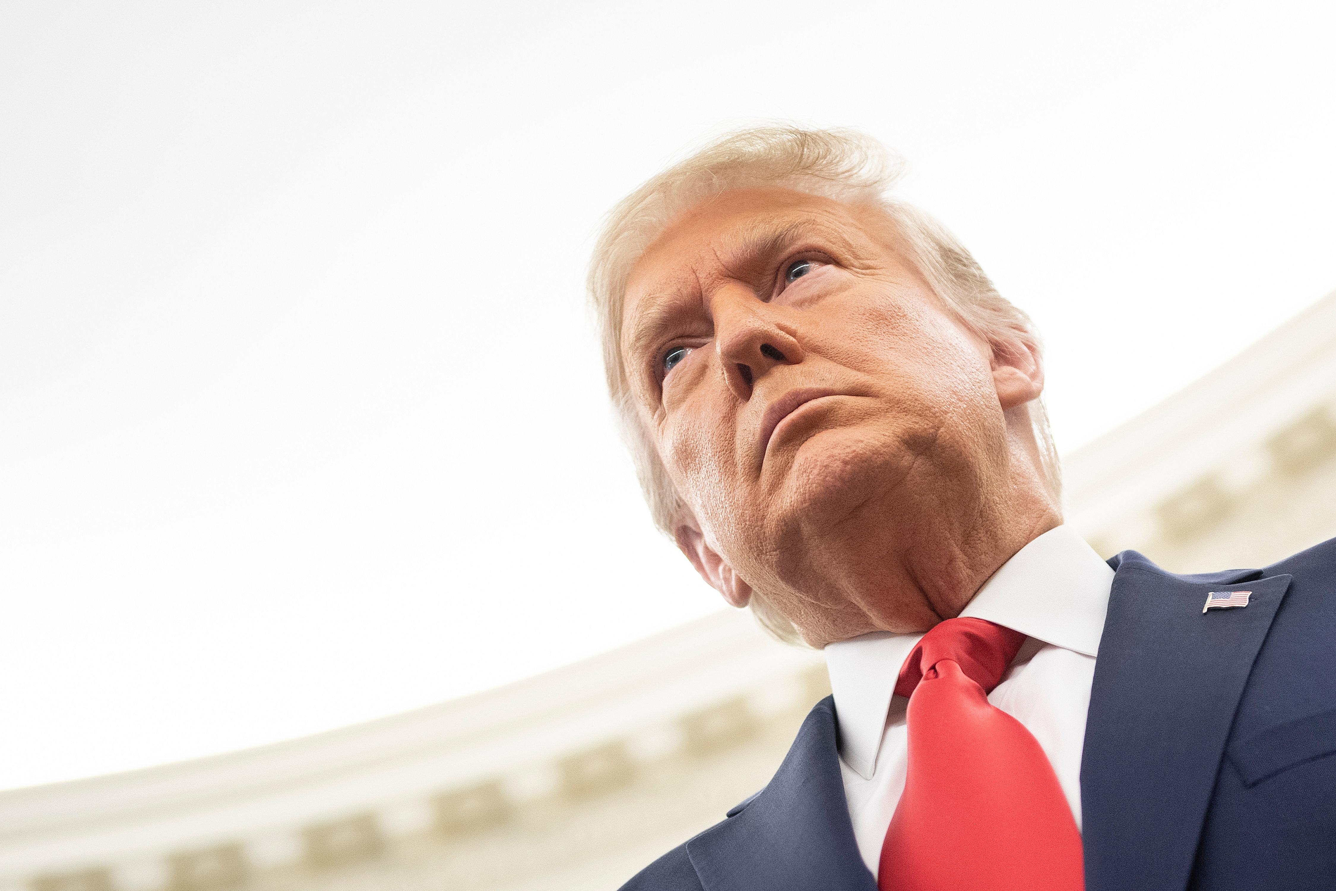 Trump acaba su mandato con una aprobación del 34%, según Gallup
