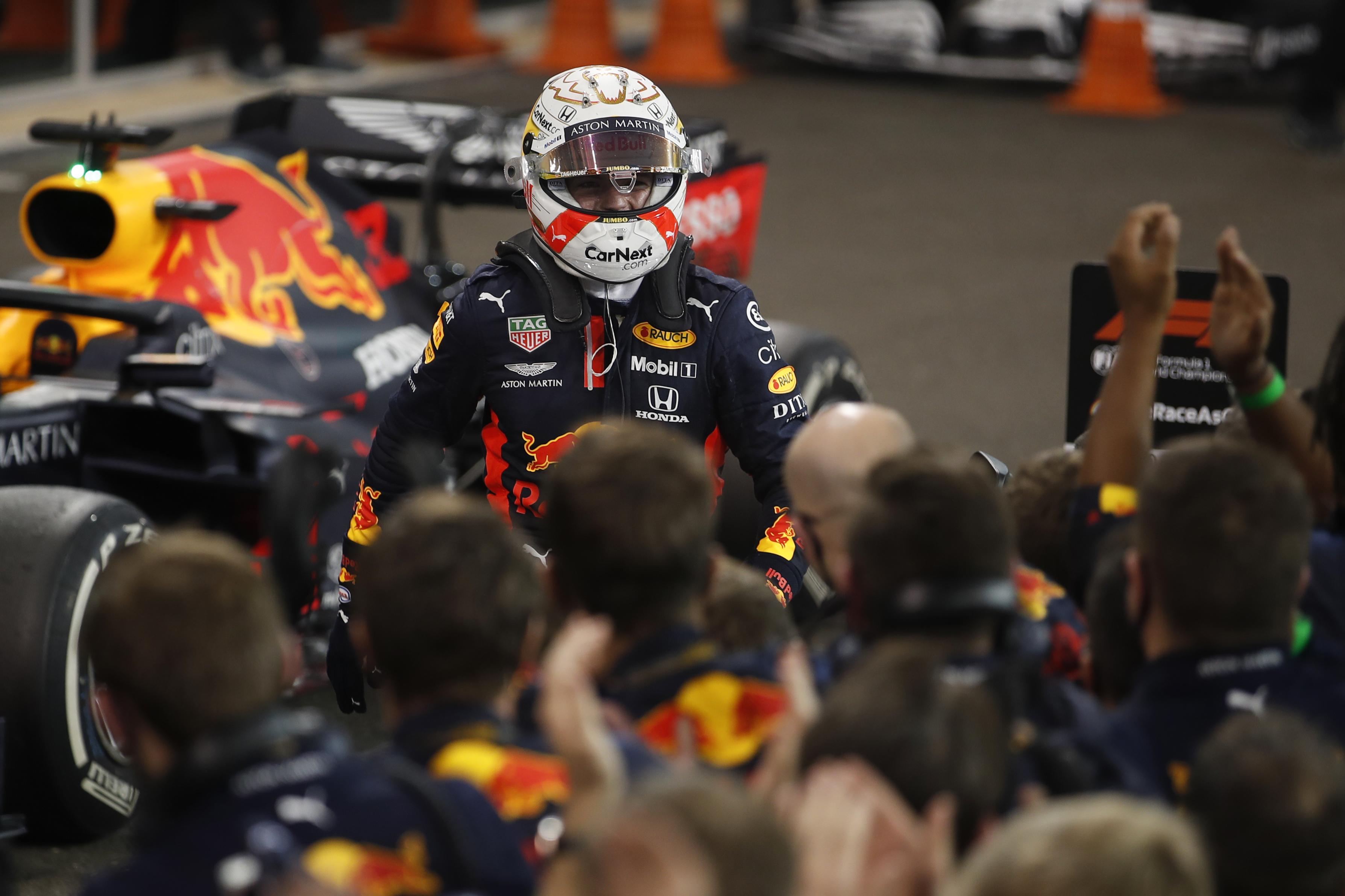 Verstappen gana el último GP de la temporada de Fórmula 1 en Abu Dabi