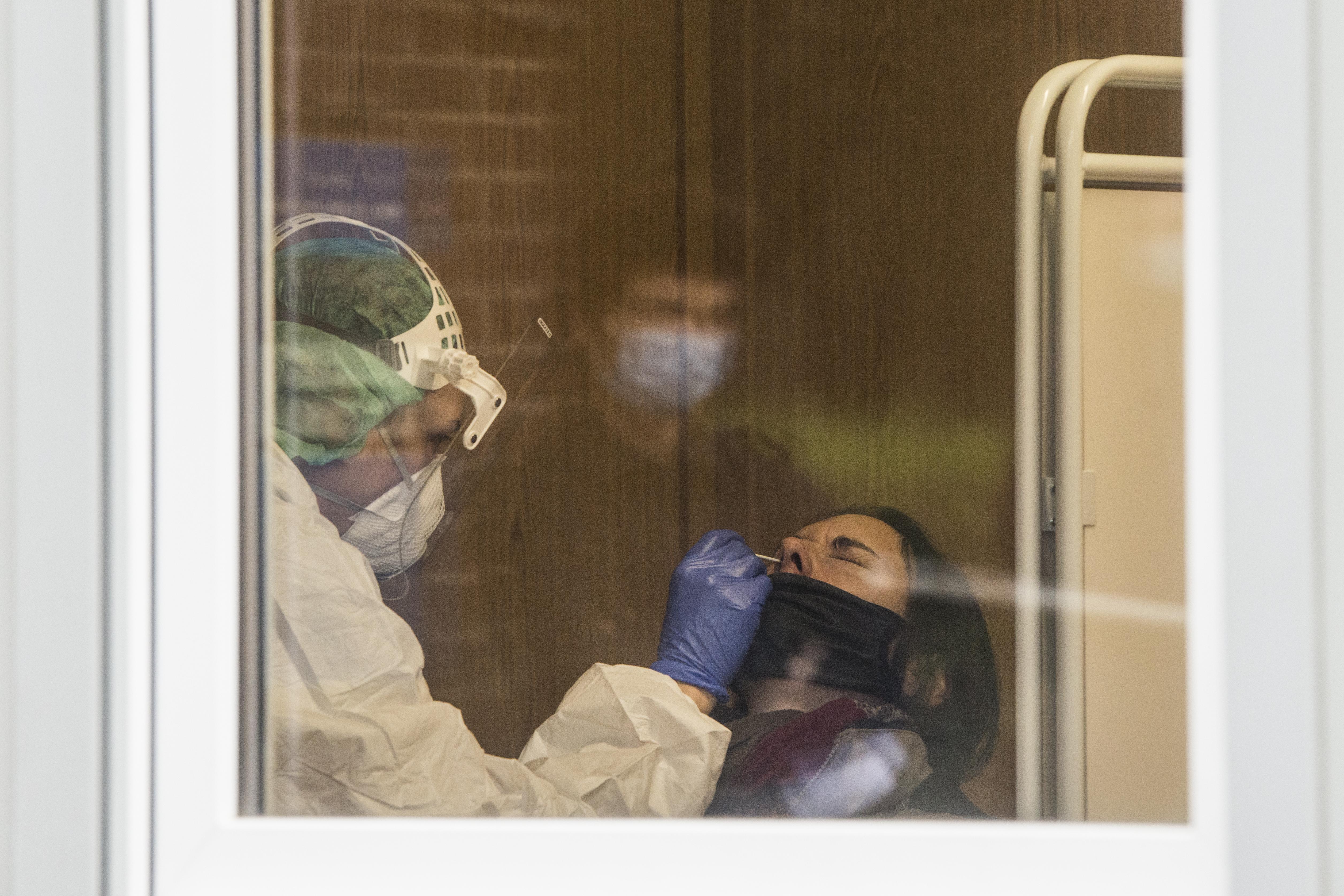 Coronavirus RD | 1,506 nuevos infectados; se mantiene en 62% ocupación de camas UCI